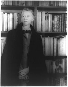 220px-Marianne_Moore_1948_hires